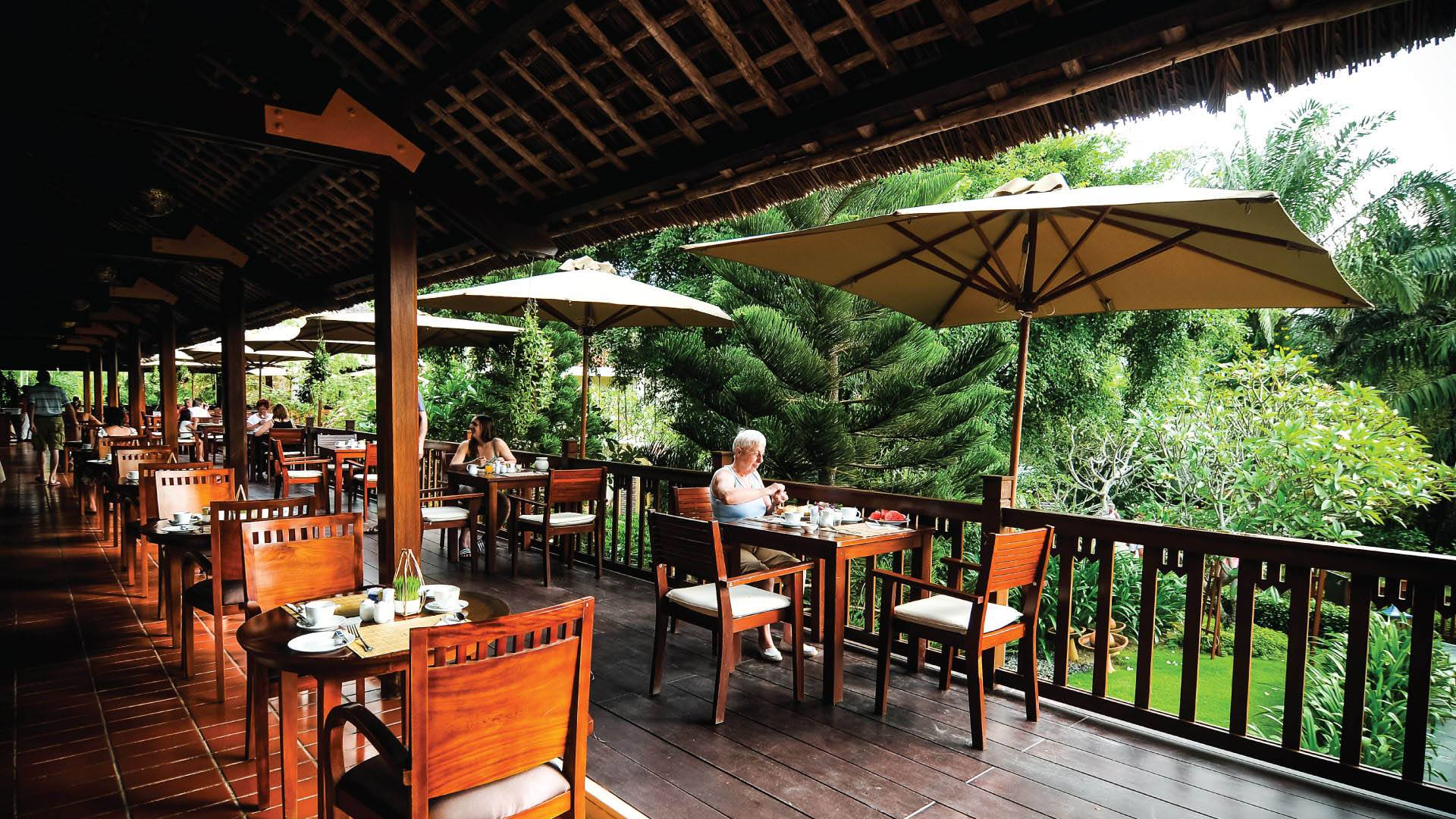 palm_garden_beach_resort_spa_hoi_an_restaurant_terrace