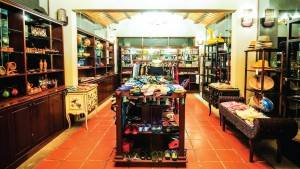 palm_garden_beach_resort_spa_hoi_an_shop