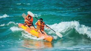 palm_garden_beach_resort_spa_kayak